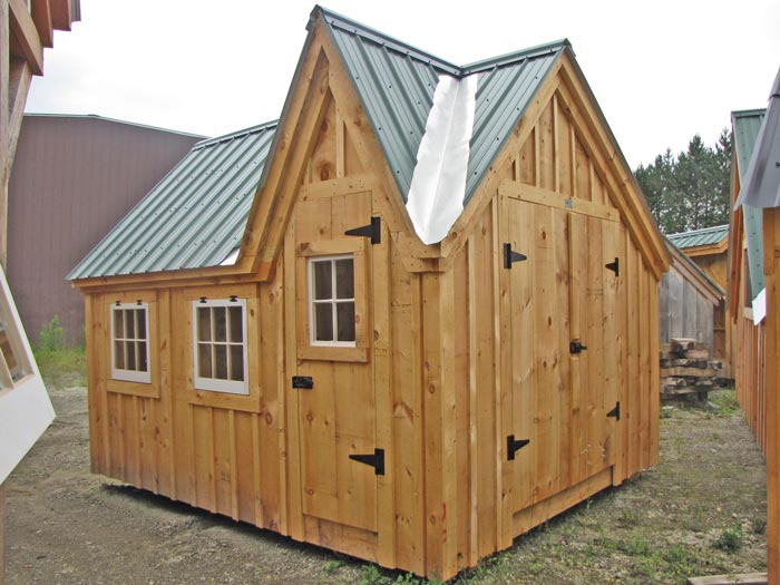 10x12 Dollhouse - Exterior