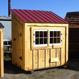 4x6 Chicken Coop - with autumn red roof