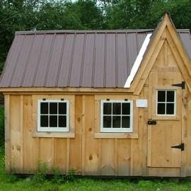 8x12 Dollhouse - exterior