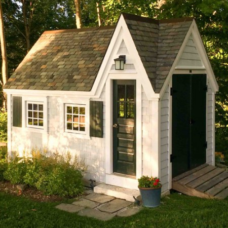 8x12 Customized Dollhouse - Exterior